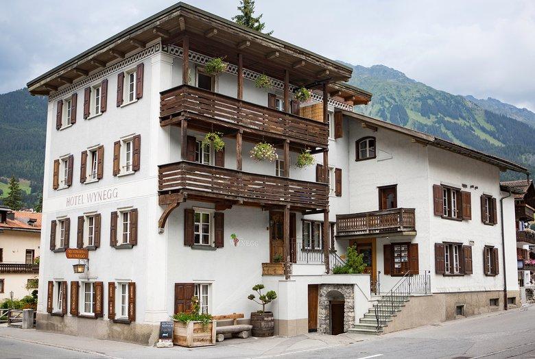 Engel Oder Bengel drei b engel für klosters best of the alps