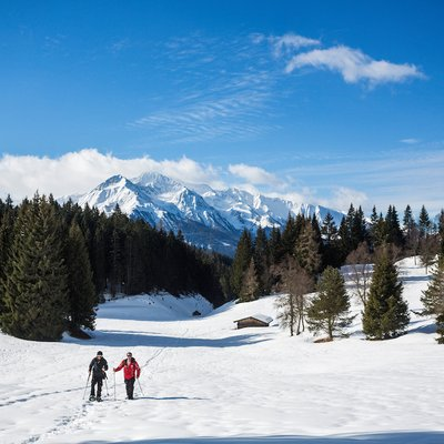 A snowshoeing tour from Lake Lottensee to the Wildmoosalm